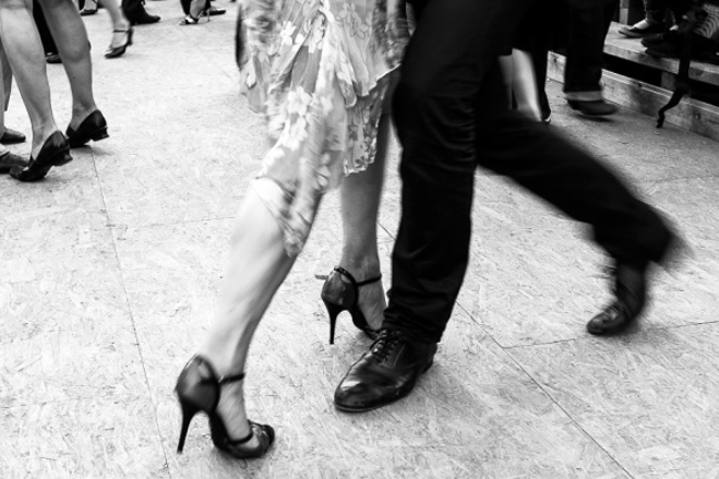 Dallas Photographer wants to learn to Tango.